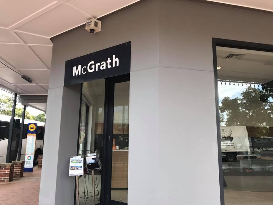ASNU Commercial Painting McGrath Shopfront